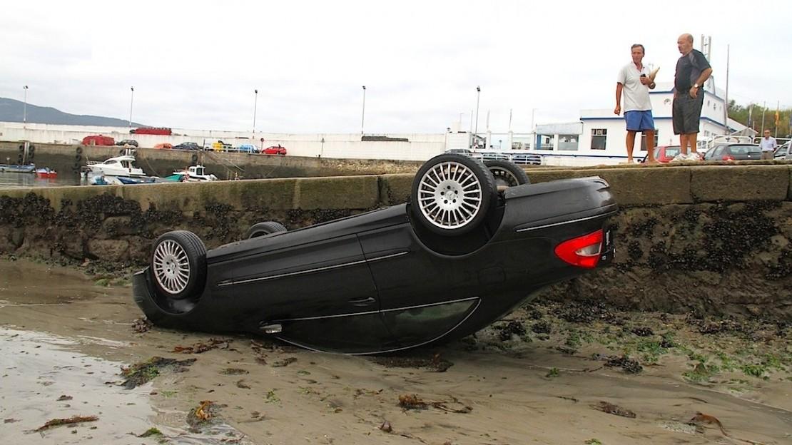 Vehículo de alquiler accidentado